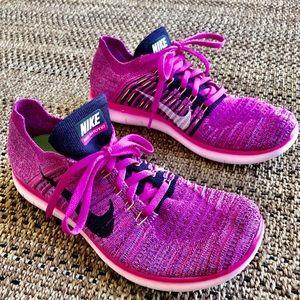 Nike Free's Hot Pink Knit Size 8.5